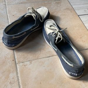 Bass boat shoes